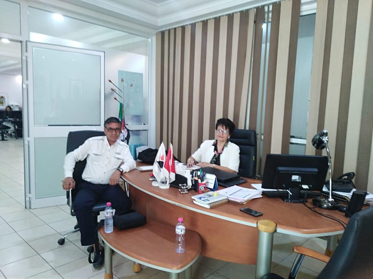 Interview entre le Directeur Générale et le chef du centre d'affaire