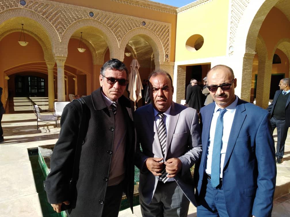 Monsieur. Gouverneur Oued Souf l'Algérie, et le gouverneur de Tozeur Tunisie